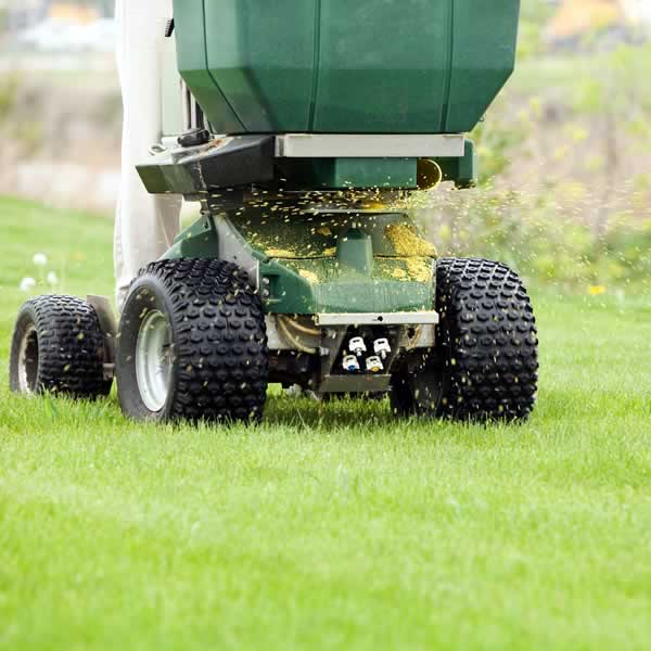 Lawn Fertilizing - Advance Lawn Service Company
