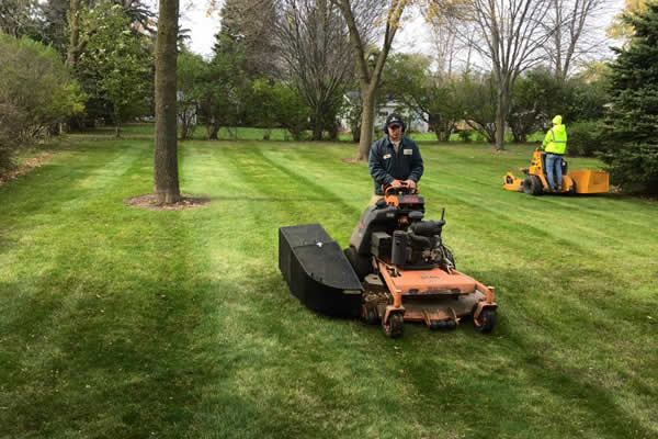 Fall Clean Up by Advance Lawn Services in Hartford WI