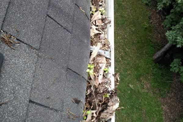 Gutter Cleaning from Advance Lawn Service Company - Hartford WI