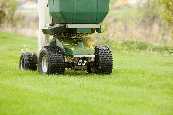 Lawn Fertilizer Service - Advance Lawn Service Company